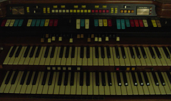 My New Hammond Organ – 328322 Commodore with Leslie – Conrad