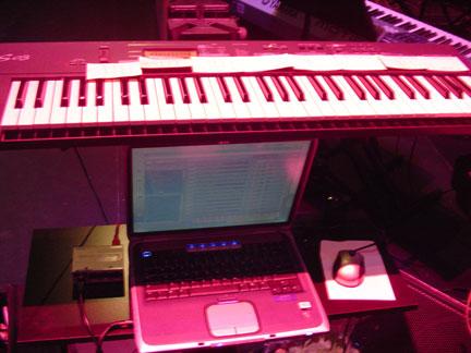 keyboard-kontakt.jpg